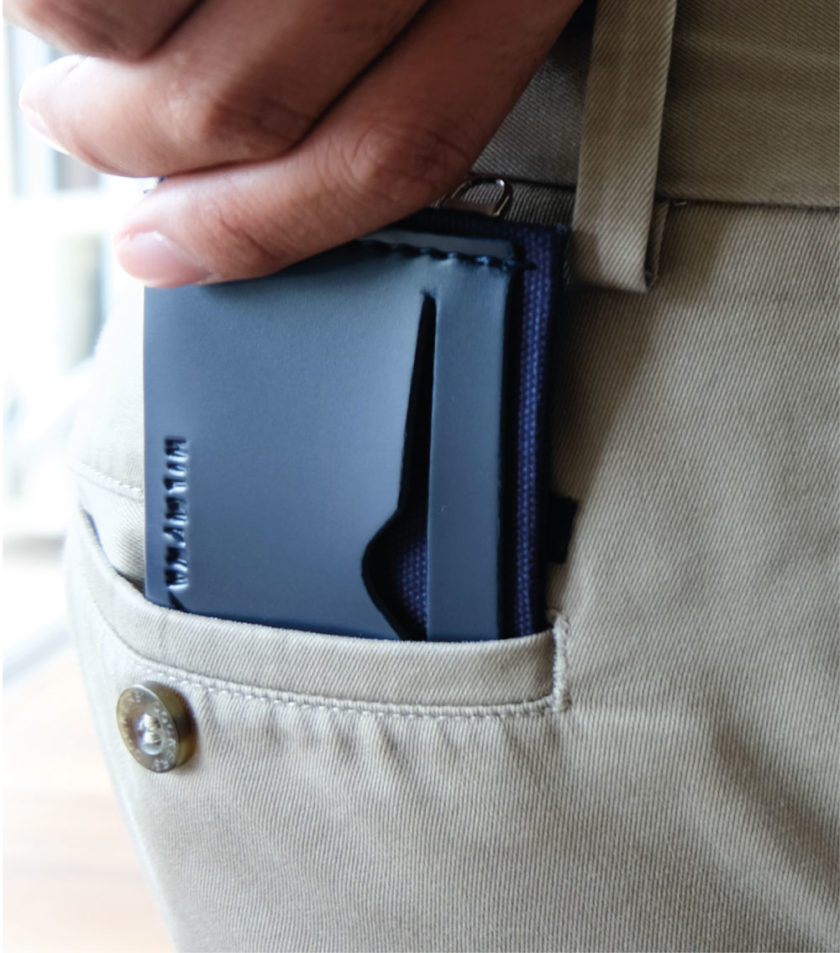 Card sleeve ซองนามบัตรหนัง สีกรม-02