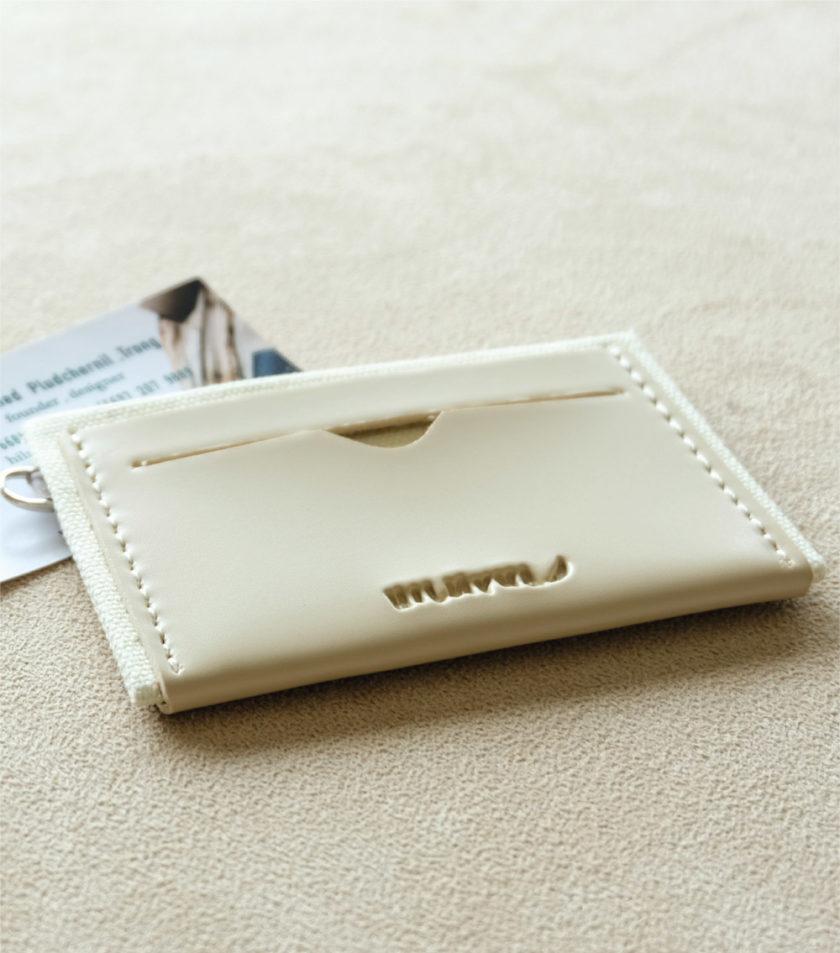 Card sleeve ซองนามบัตรหนัง สีครีม-01