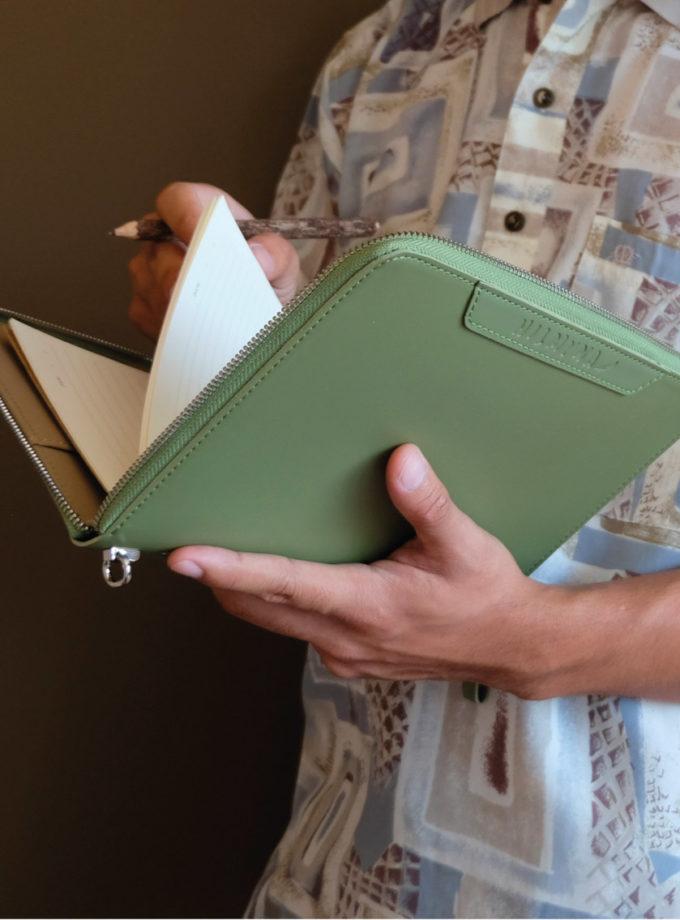 สมุดบันทึกปกหนังซิปรอบ สีเขียว-6
