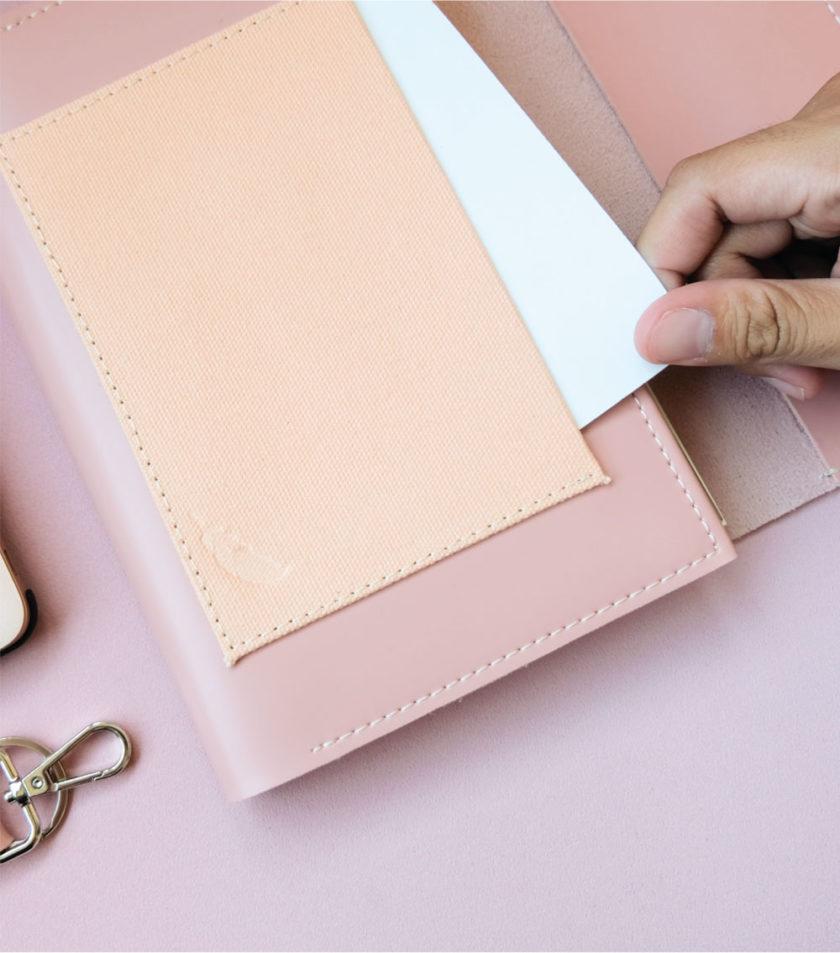 สมุดบันทึกปกหนัง pocket magbook สีชมพู