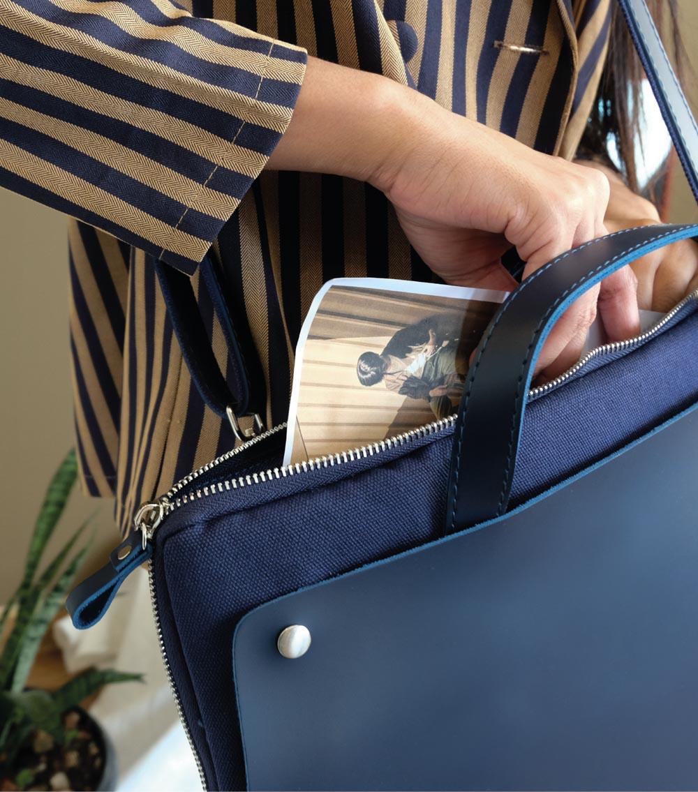 ผลิตสินค้าพรีเมี่ยม premiumgift รับผลิตกระเป๋าหนัง ผลิตเครื่องหนัง-laptopbag 03