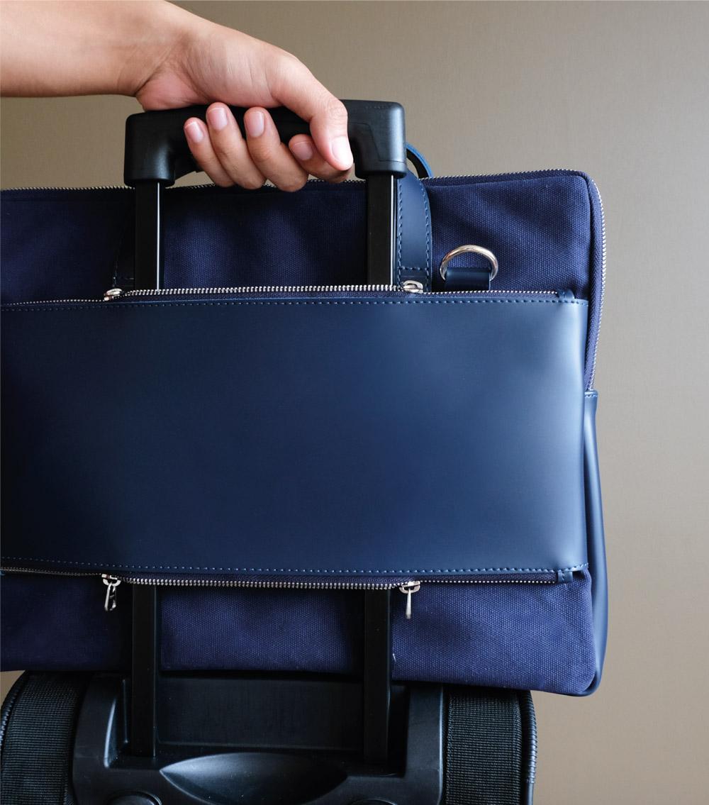 ผลิตสินค้าพรีเมี่ยม premiumgift รับผลิตกระเป๋าหนัง ผลิตเครื่องหนัง-laptopbag 05